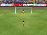 Microsoft International Soccer 2000 Windows Referee gives a penalty near the end.