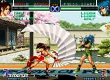 The King of Fighters 2002: Challenge to Ultimate Battle Neo Geo Mai Shiranui executes her move Sachiyo Dori against a static Leona Heidern: no damage this time!