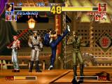 The King of Fighters '95 PlayStation Heidern walks some steps trying to hit-attack Kyo Kusanagi: he uses his 75 Shiki Kai defensively...