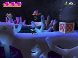 Klonoa 2: Lunatea's Veil PlayStation 2 Throw an enemy at the box to break it.