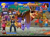 The King of Fighters '97 PlayStation Mai Shiranui approaches to hit-attack King, but she's suddenly hit-caught by King's DM Silent Flash.