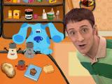 Blue's Treasure Hunt Windows Blue and Steve have figured out that Paprika's favorite thing is a bedtime story.