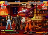 The King of Fighters '97 Neo Geo CD Knowing that King uses an Light Kick against him, Ryo Sakazaki decides to keep a defensive instance.
