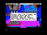 Space Quest: Chapter I - The Sarien Encounter Apple II Whew, they mean me no harm!