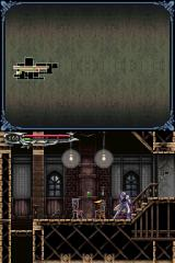 Castlevania: Dawn of Sorrow Nintendo DS Battling a tiny poltergeist.