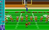 Mike Ditka Ultimate Football DOS A field goal attempt.