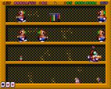 Super Methane Bros Amiga CD32 A new type of enemies: clowns. The throw bowling pins at me.
