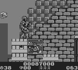 RoboCop 2 Game Boy The criminals never get tired of shooting at you.