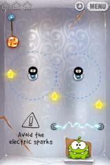 Cut the Rope iPhone Level 3-14, avoid the electric sparks