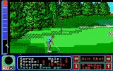 Jack Nicklaus' Greatest 18 Holes of Major Championship Golf Atari ST A nice easy chip to the green...