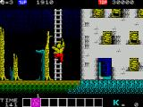 Karnov ZX Spectrum The ladder has been deployed and Karnov is climbing it