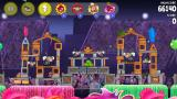 Angry Birds: Rio iPhone Hmm, this circus location looks tricky