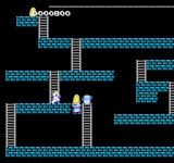 Super Lode Runner NES Trapping an enemy in a hole