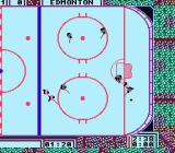 Wayne Gretzky Hockey NES Two players fighting for the puck