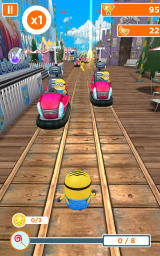 Despicable Me: Minion Rush Android Dodging vehicles in a special mission.