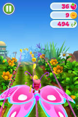 Strawberry Shortcake: Berry Rush Browser Flying with the butterfly power-up.