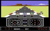 Super Cycle Commodore 64 Getting ready to start a race