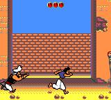Disney's Aladdin Game Gear First level: run away from the guard, jumping over obstacles!