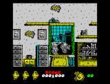 Mortadelo y Filemón II: Safari Callejero ZX Spectrum That chicken will protect you in front of some egg impacts